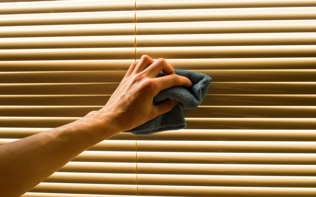 4 DIY Steps to Clean Wooden Blinds You May Have Never Tried